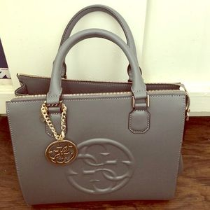 Brand new guess purse!